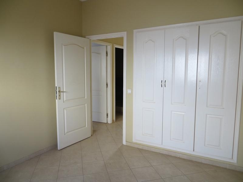 Appartement vide a louer - LV212
