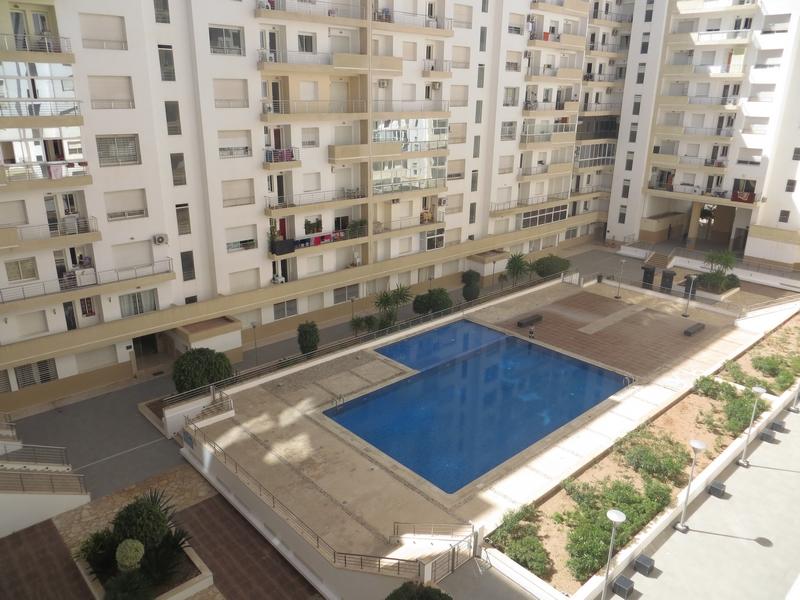 Appartement meublé avec piscine - LM254