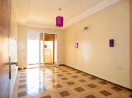 Appartement vide proche du centre - LV255