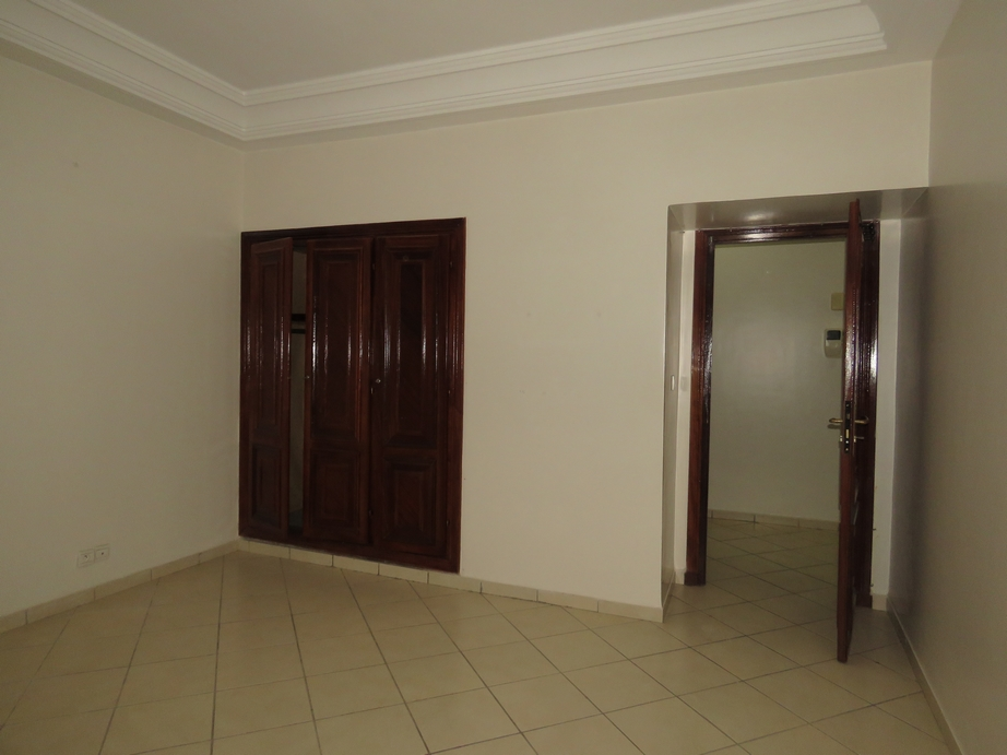 Appartement vide au centre agadir - LV284