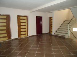 Appartement vide équipé - LV308