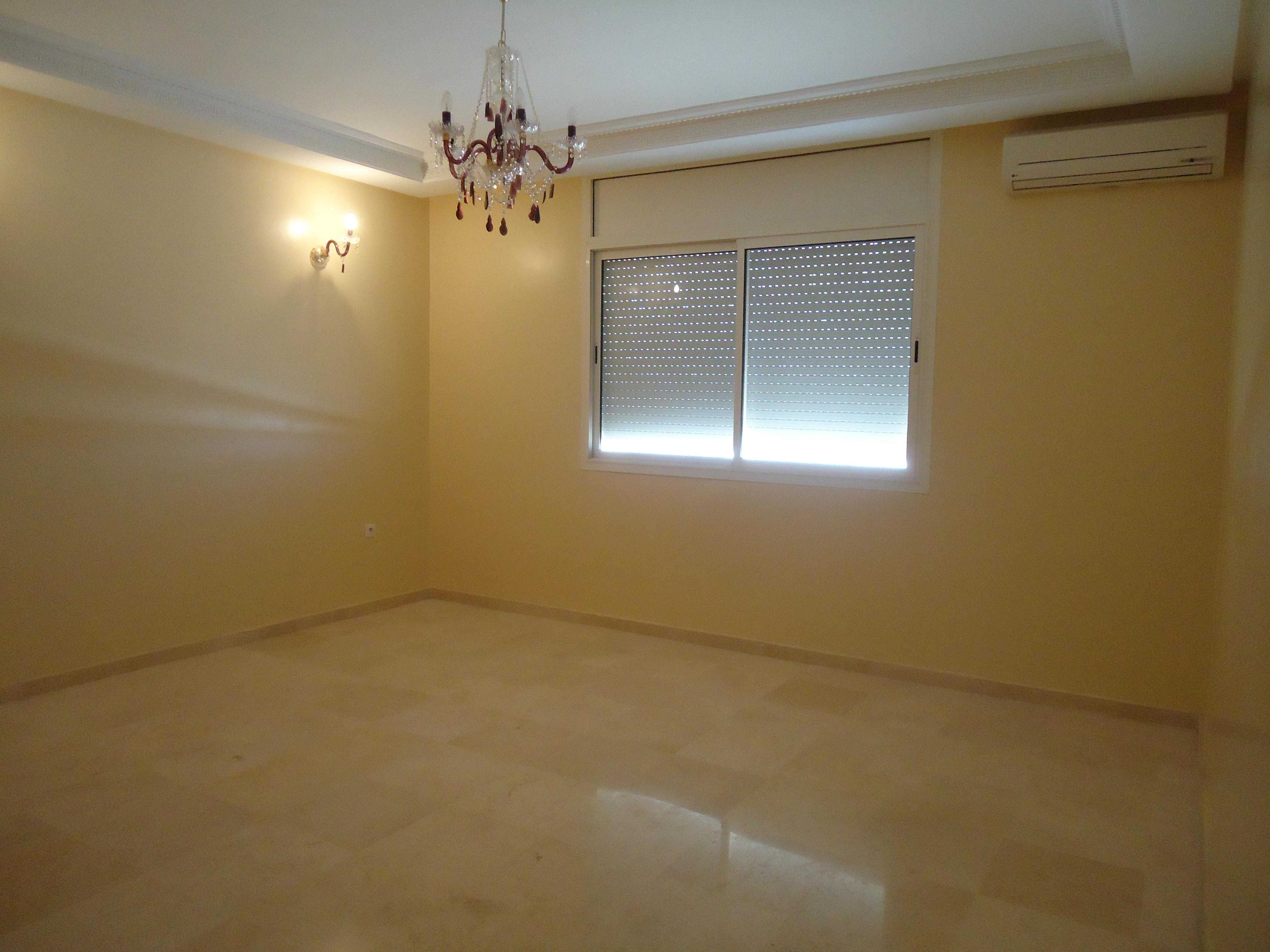 Appartement vide équipée - LV302